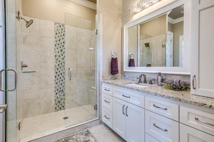 custom-guest-bathroom