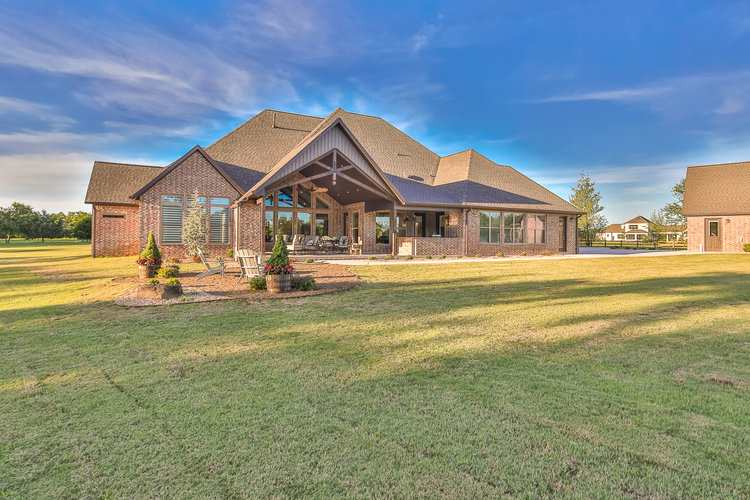 custom-homes-on-5-acres