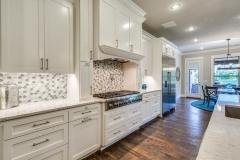 hardwood-floor-in-kitchen
